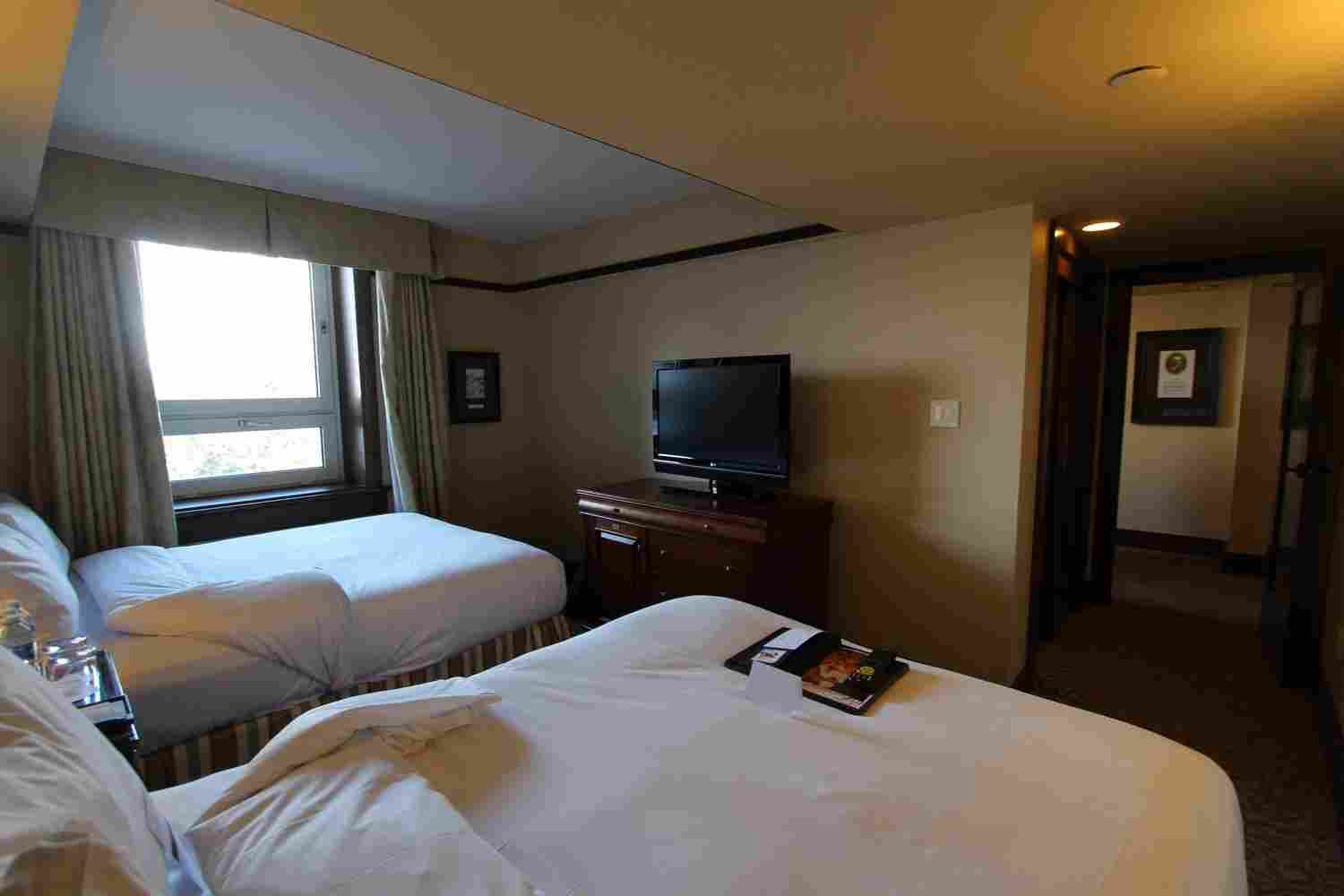 http://winter2.hotel-sites.bookoncloud.com/wp-content/uploads/sites/76/2016/02/interior_01.jpg