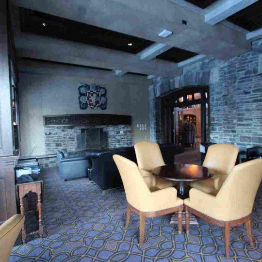 http://winter2.hotel-sites.bookoncloud.com/wp-content/uploads/sites/76/2016/02/interior_04-540x540.jpg
