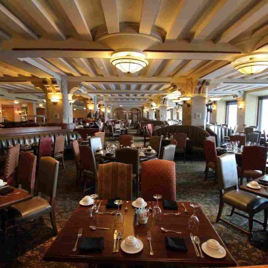 http://winter2.hotel-sites.bookoncloud.com/wp-content/uploads/sites/76/2016/02/interior_07-540x540.jpg