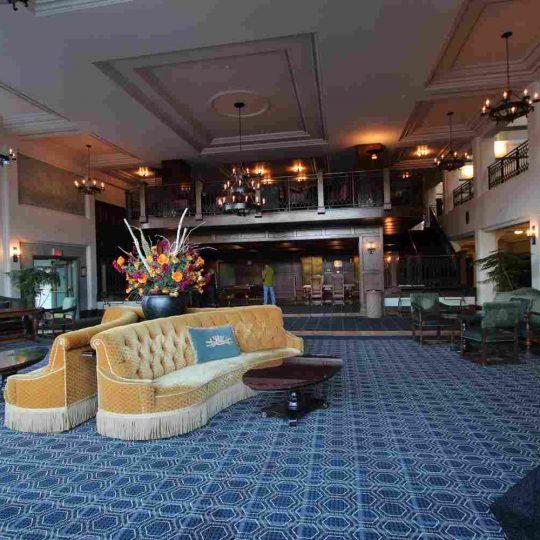 http://winter2.hotel-sites.bookoncloud.com/wp-content/uploads/sites/76/2016/02/interior_14-540x540.jpg