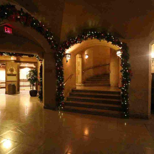 http://winter2.hotel-sites.bookoncloud.com/wp-content/uploads/sites/76/2016/02/interior_16-540x540.jpg