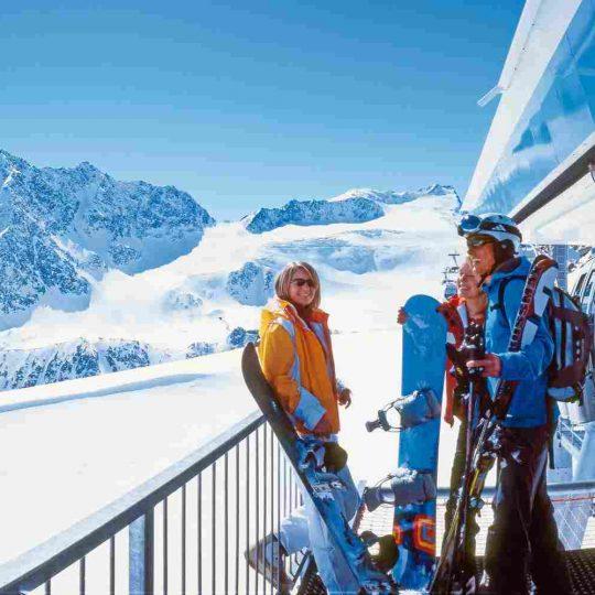 http://winter2.hotel-sites.bookoncloud.com/wp-content/uploads/sites/76/2016/02/winter-activities_03-540x540.jpg