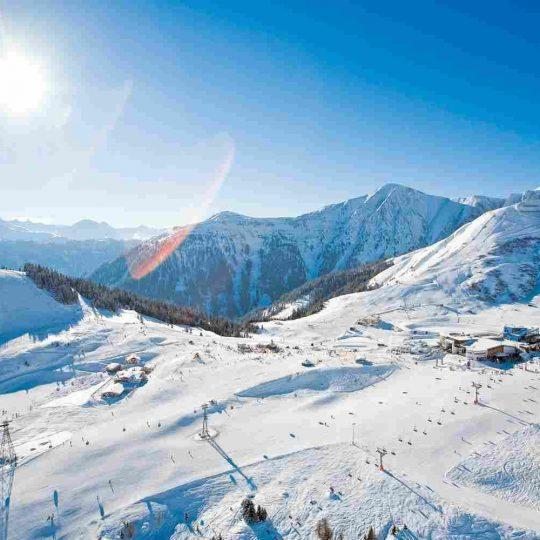 http://winter2.hotel-sites.bookoncloud.com/wp-content/uploads/sites/76/2016/02/winter-activities_06-540x540.jpg