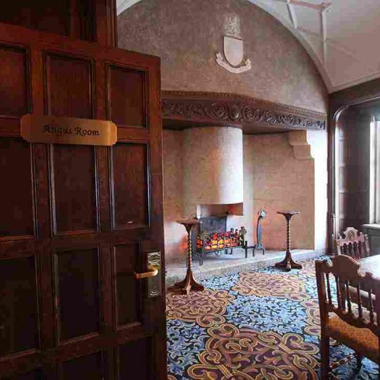 http://winter2.hotel-sites.bookoncloud.com/wp-content/uploads/sites/76/2016/02/winter-single-room-8-1-540x540.jpg